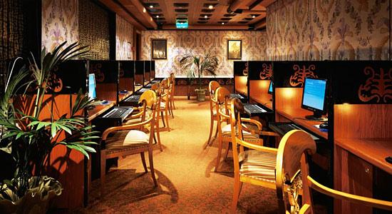 Internet cafe2